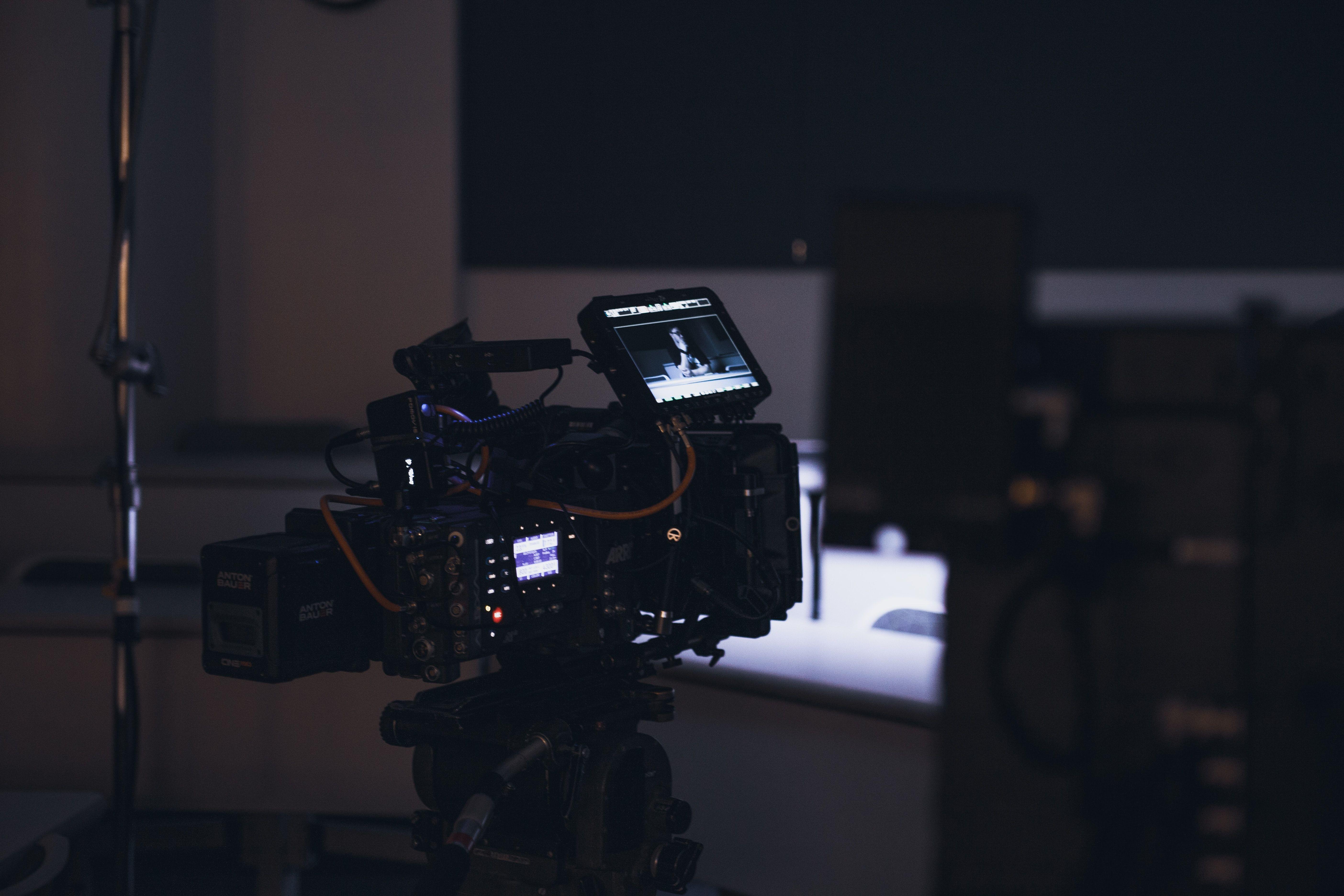 Kaamera liikumiste juhend: 13 tüüpi kaamera liikumist
