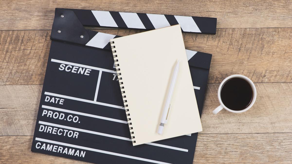 Comment esquisser un scénario en 6 étapes : Guide de scénarisation de script