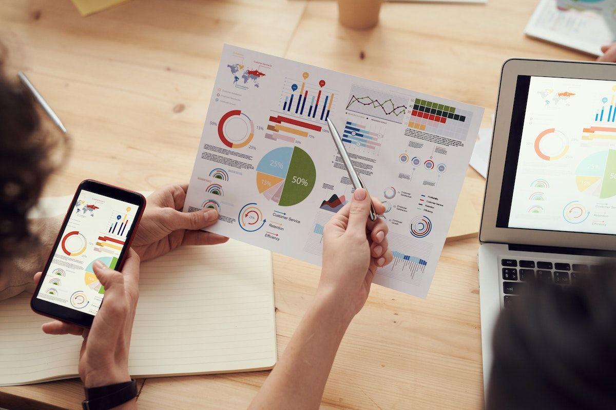 Comment utiliser l'analyse des cinq forces de Porter pour créer une stratégie commerciale