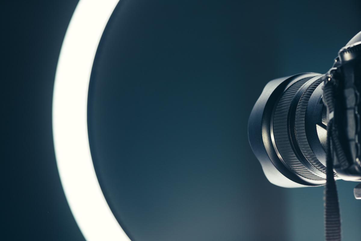 Kuidas kasutada heledamat valgust portreefotode paremaks pildistamiseks