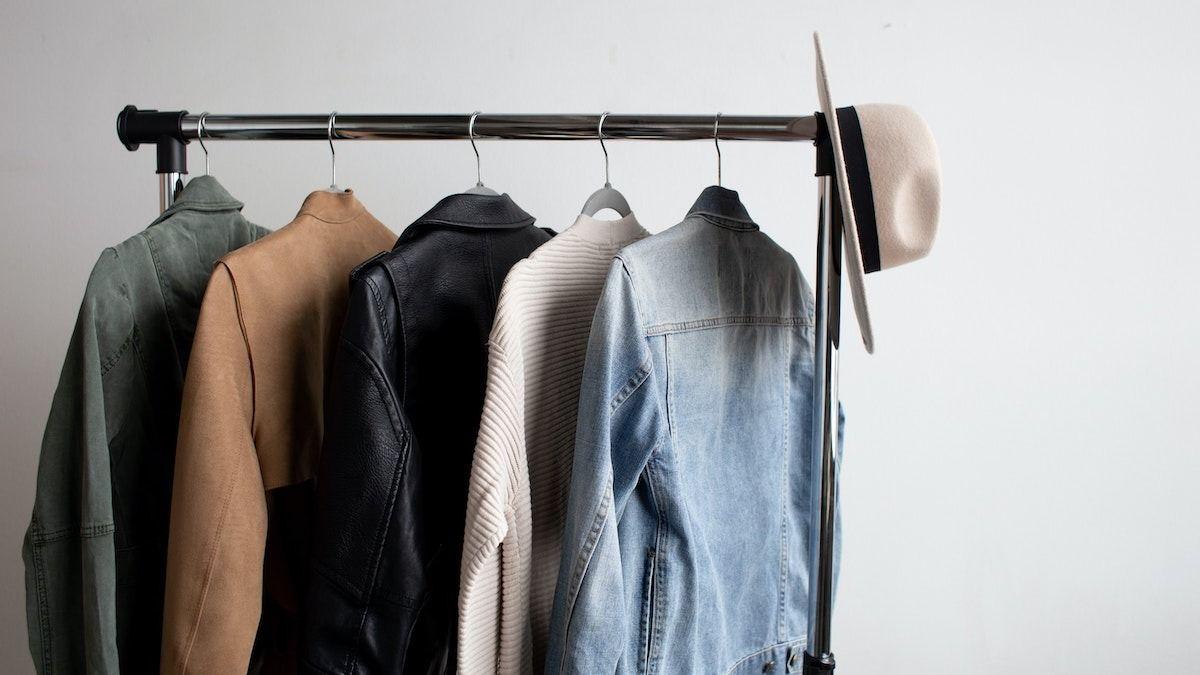 Essentiels de la garde-robe classique : 11 incontournables de la mode