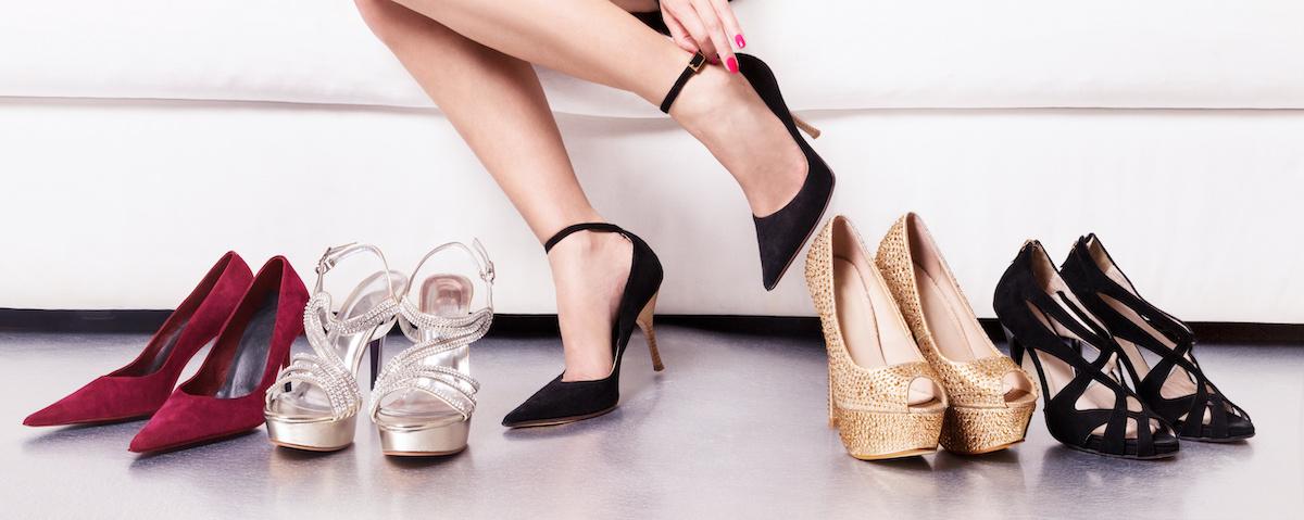 13 ประเภทของส้นรองเท้าและวิธีการจับคู่กับชุดของคุณ