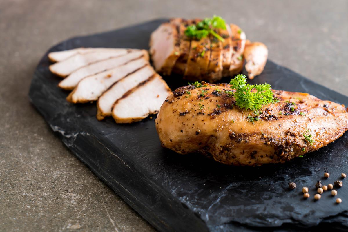 Tout sur la poitrine de poulet : Nutrition de la poitrine de poulet et recettes de poitrine de poulet