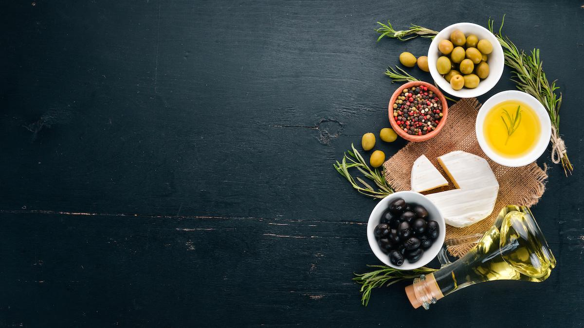 Ingrédients grecs traditionnels: liste des principes fondamentaux de la cuisine grecque