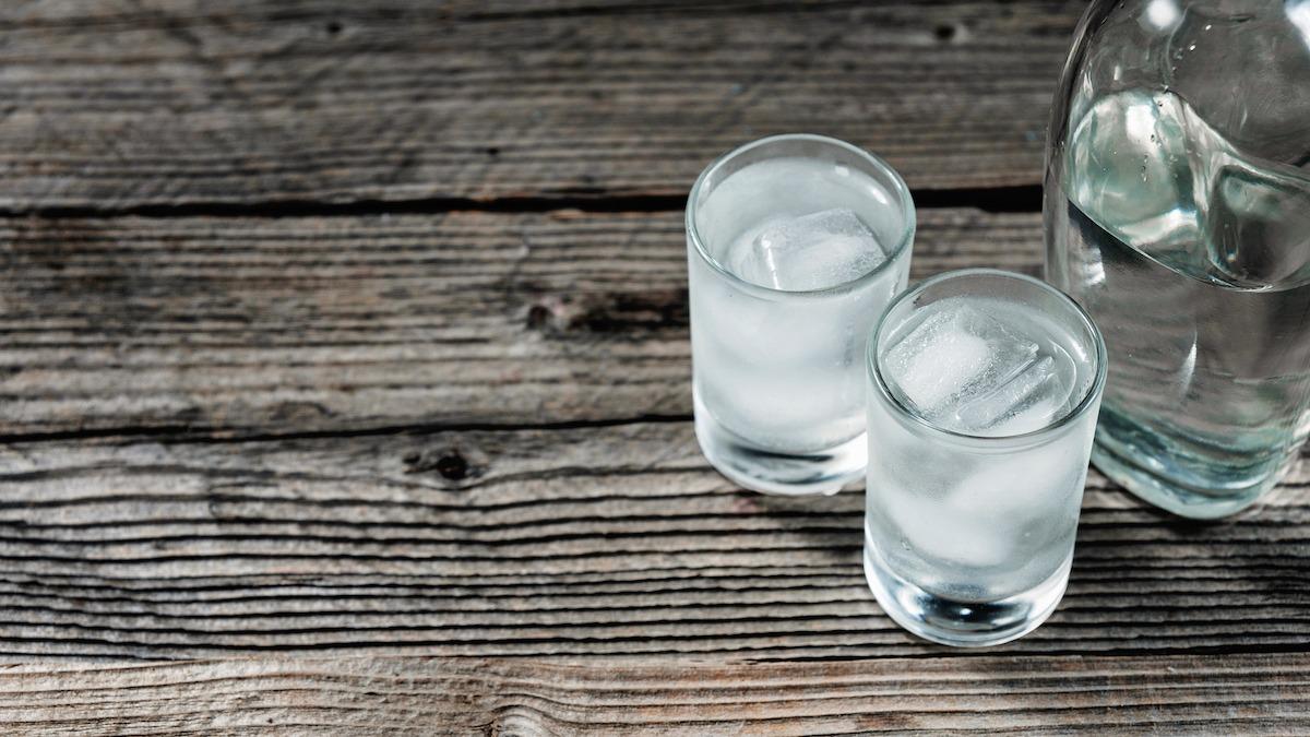 Što je votka? Unutar podrijetla vodke i uobičajene upotrebe