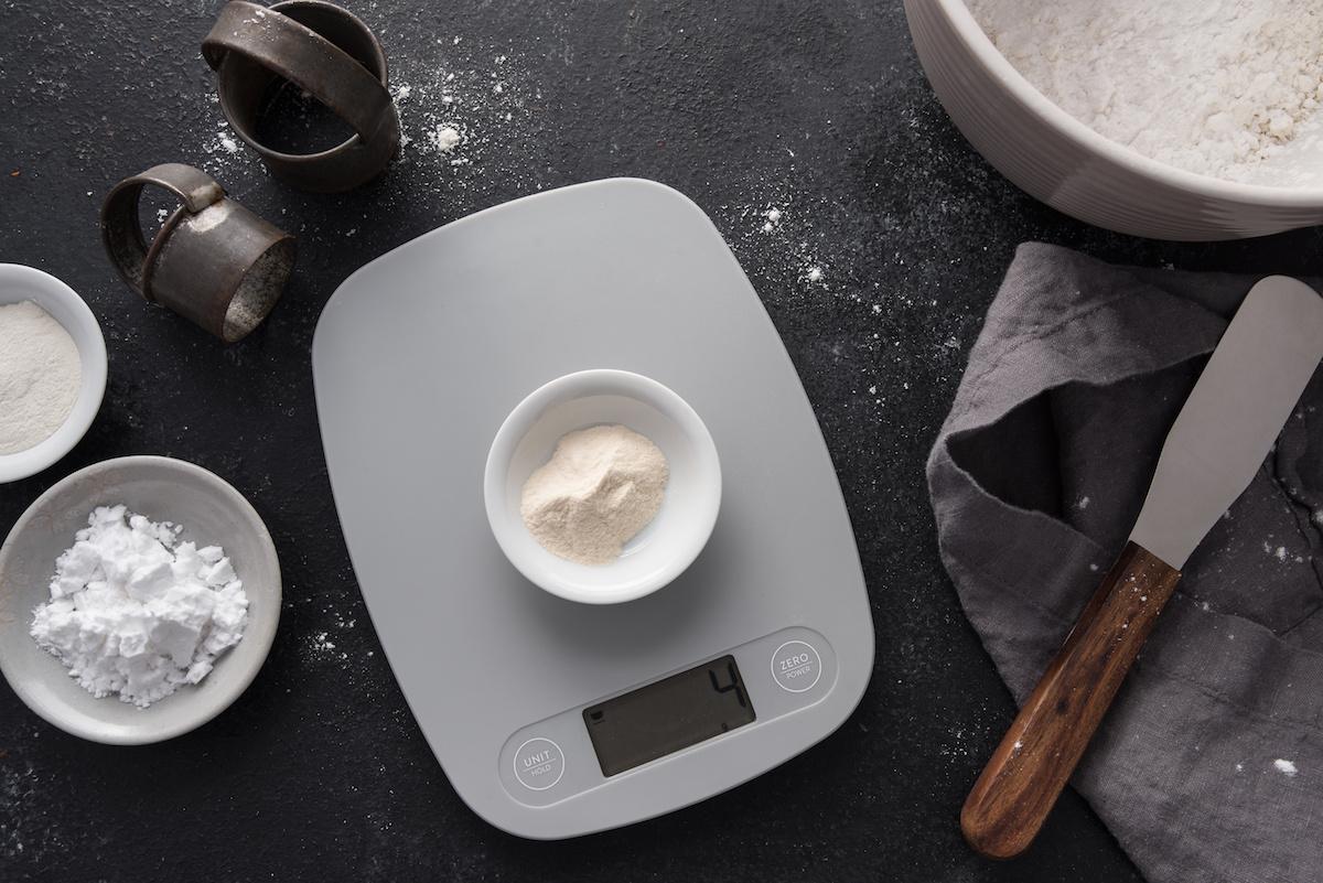 Hur man konverterar ett recept till gram: Konvertera US-koppar och matskedar till gram