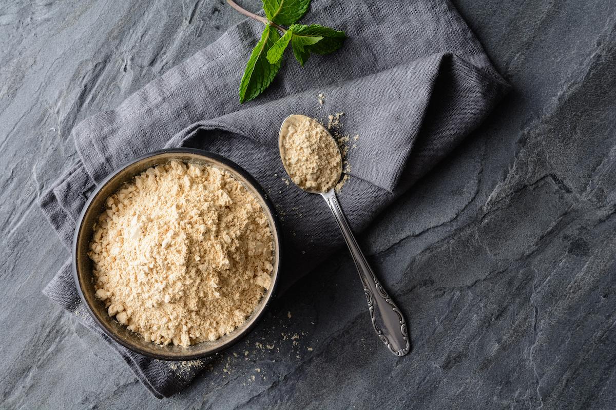 Comment utiliser la poudre de racine de maca : recette facile de smoothie à la maca