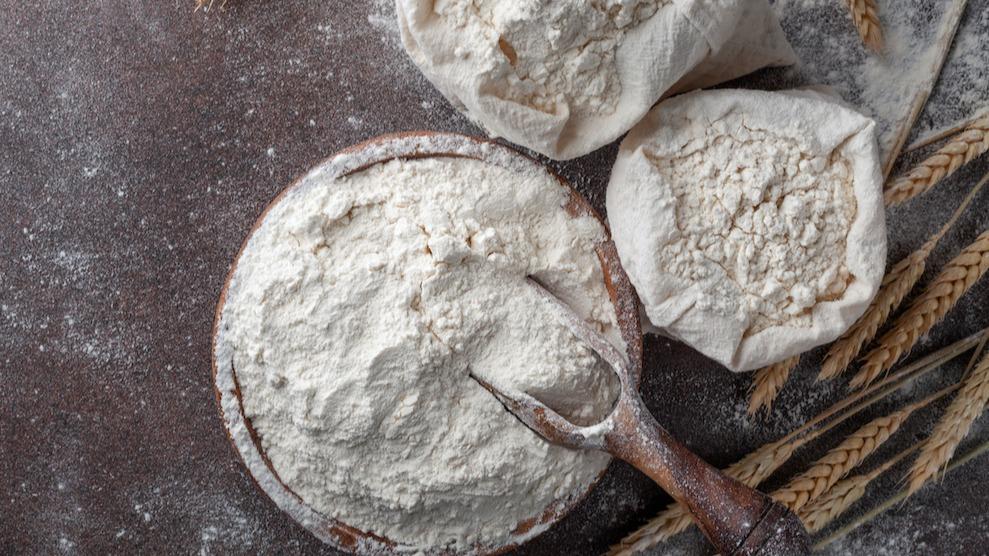 Kakmjöl kontra mjöl för alla ändamål: Lär dig de viktigaste skillnaderna