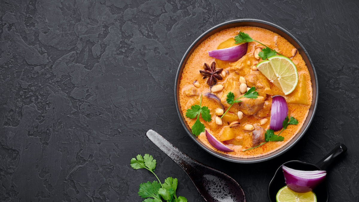Hogyan készítsünk házi thai földimogyorót: thai curry recept