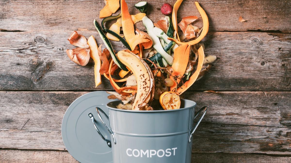 Toidujäätmete vähendamine: 7 nõuannet säästva toiduvalmistamise kohta