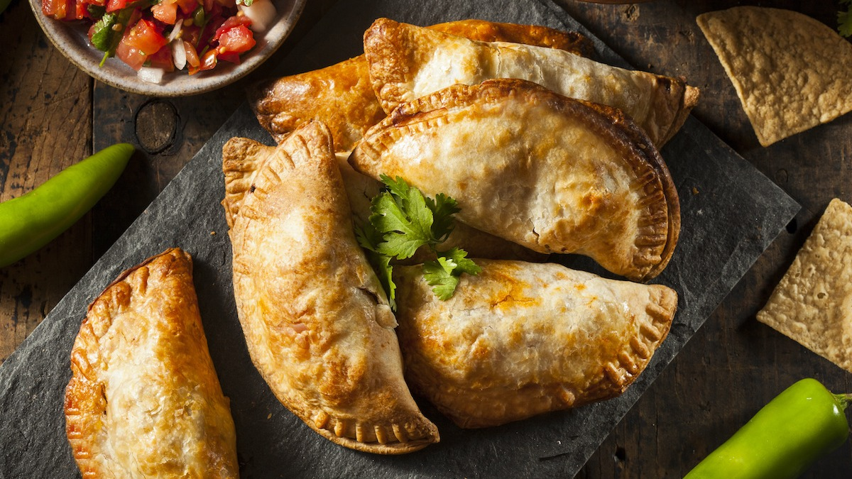 Hogyan készítsünk házi készítésű Empanadákat: Egyszerű recept