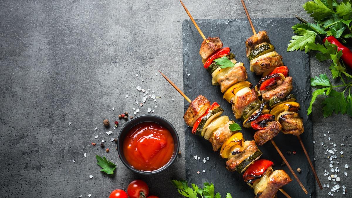 Hogyan készítsünk Shish Kebabot: Pályázati marhahús Shish Kebab recept