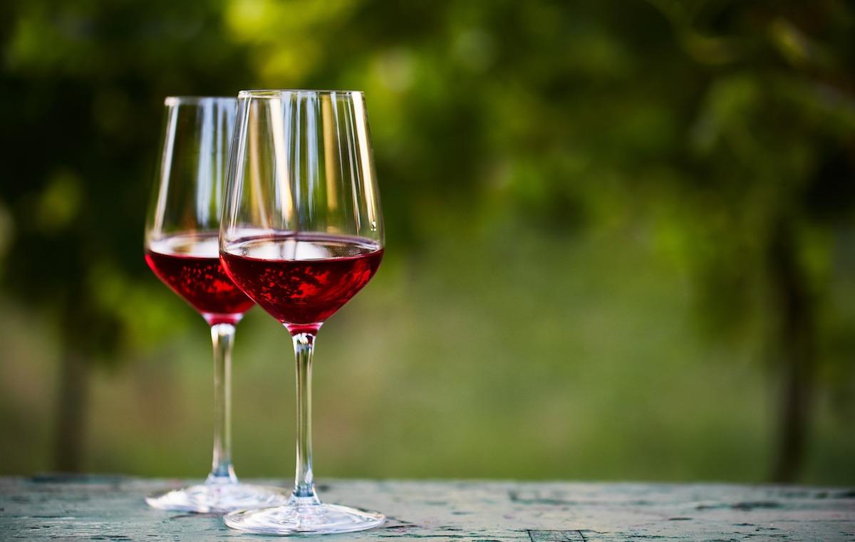 Saznajte više o Primitivu: vino, grožđe, povijest, karakteristike i parovi