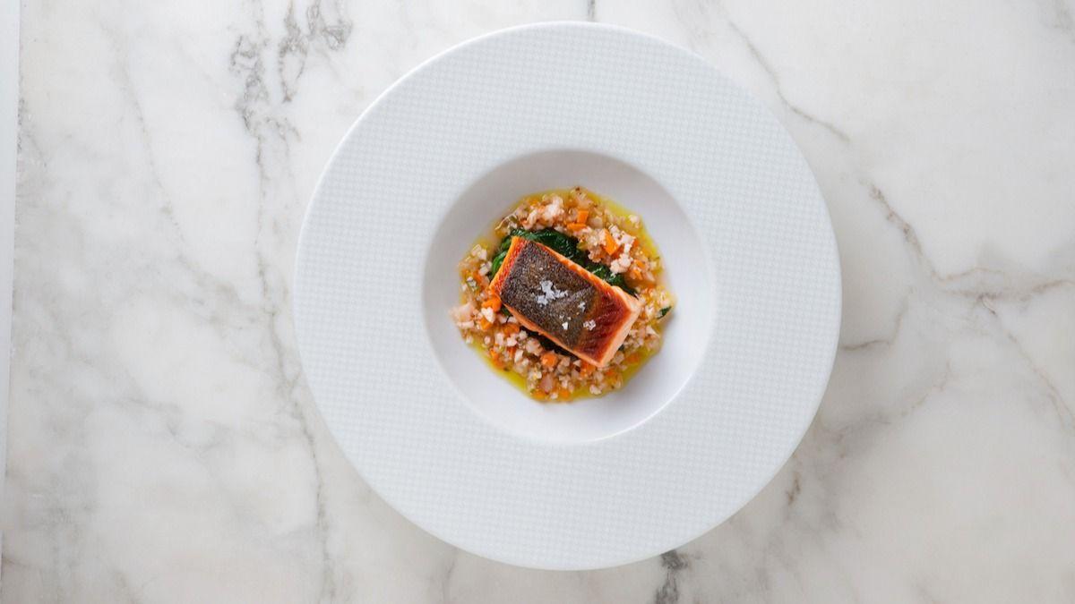 Recette de saumon sauté aux épinards frais du chef Thomas Keller