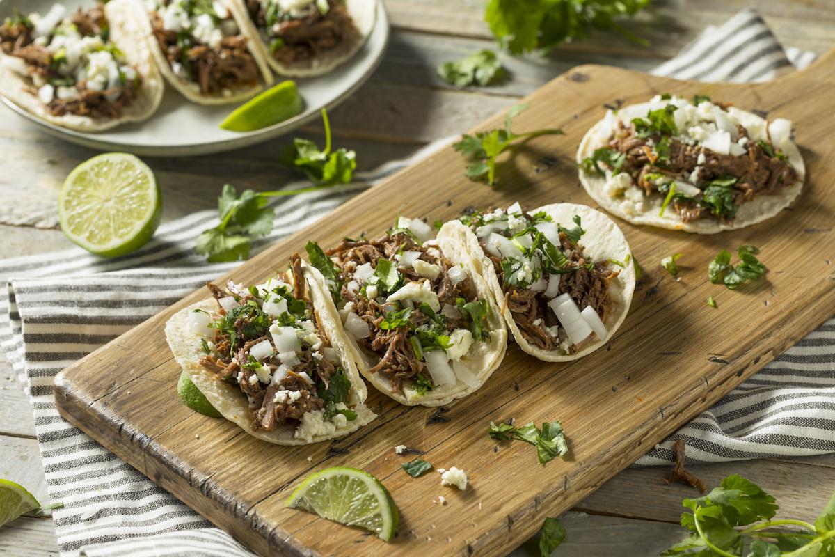 Kako napraviti Tacos de Cabeza: Tacos od meksičkog goveđeg obraza