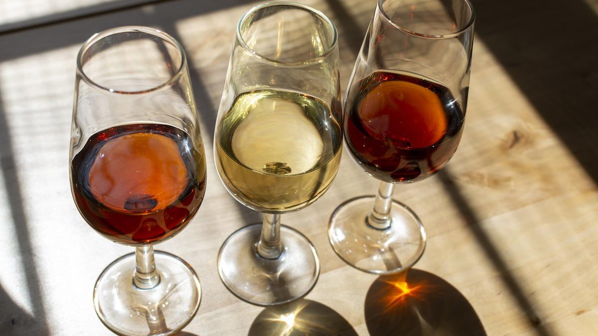 Guide complet du vin fortifié : 6 types de vin fortifié