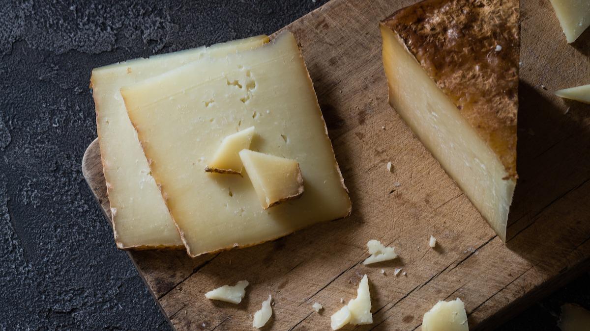 Guide des fromages au lait de brebis : 9 types de fromages au lait de brebis