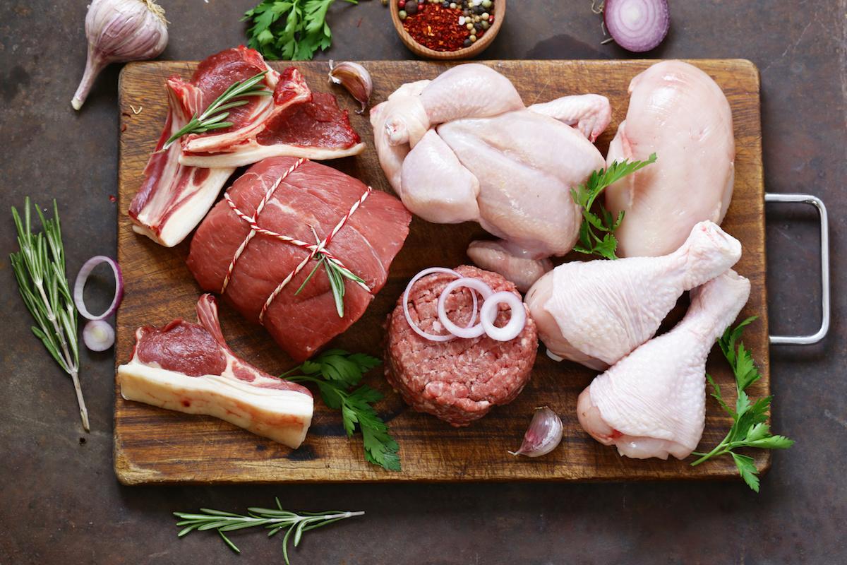 मांस के 10 प्रकार: उनके लाभ, चिंताएं, और प्रत्येक को कैसे पकाना है