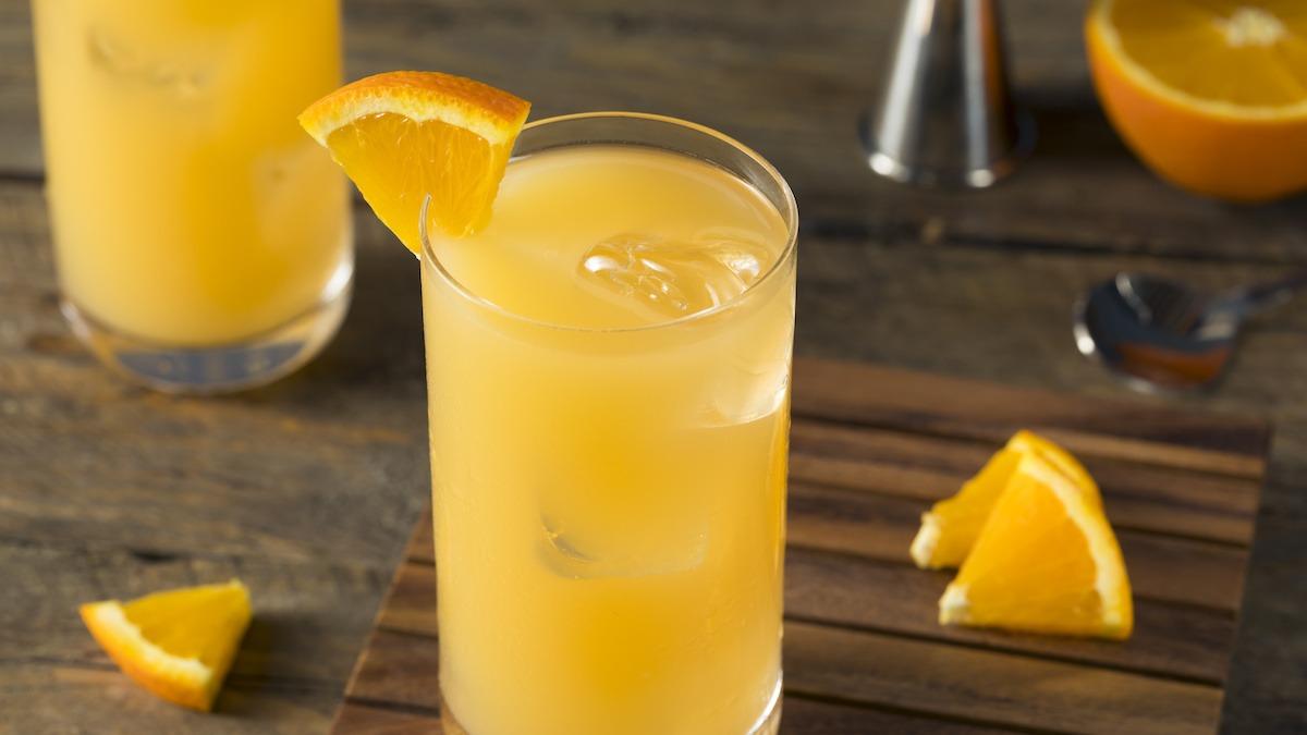 Harvey Wallbanger Cocktail Oppskrift
