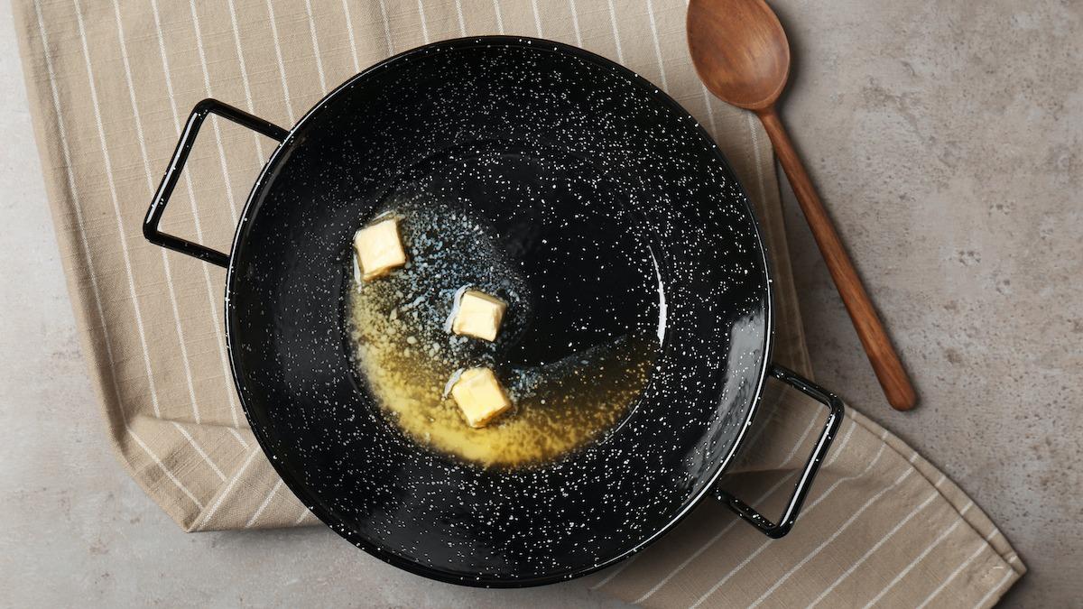 Comment faire du beurre brun : 5 façons d'utiliser le beurre brun