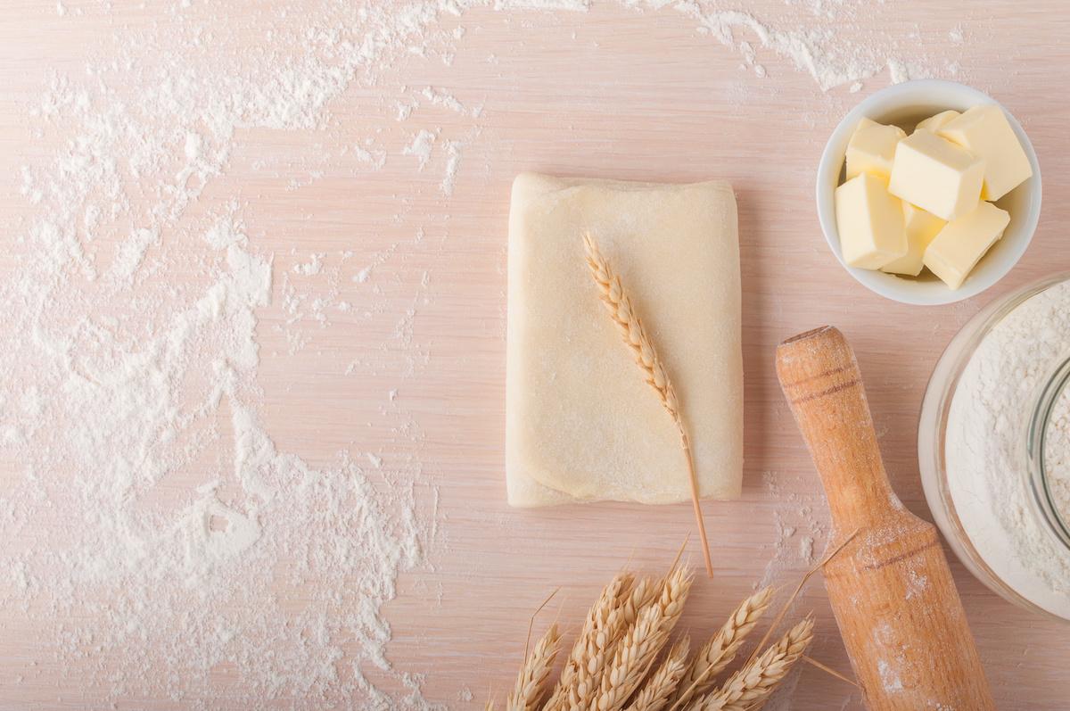 Comment faire de la pâte feuilletée classique : Recette facile de pâte feuilletée grossière