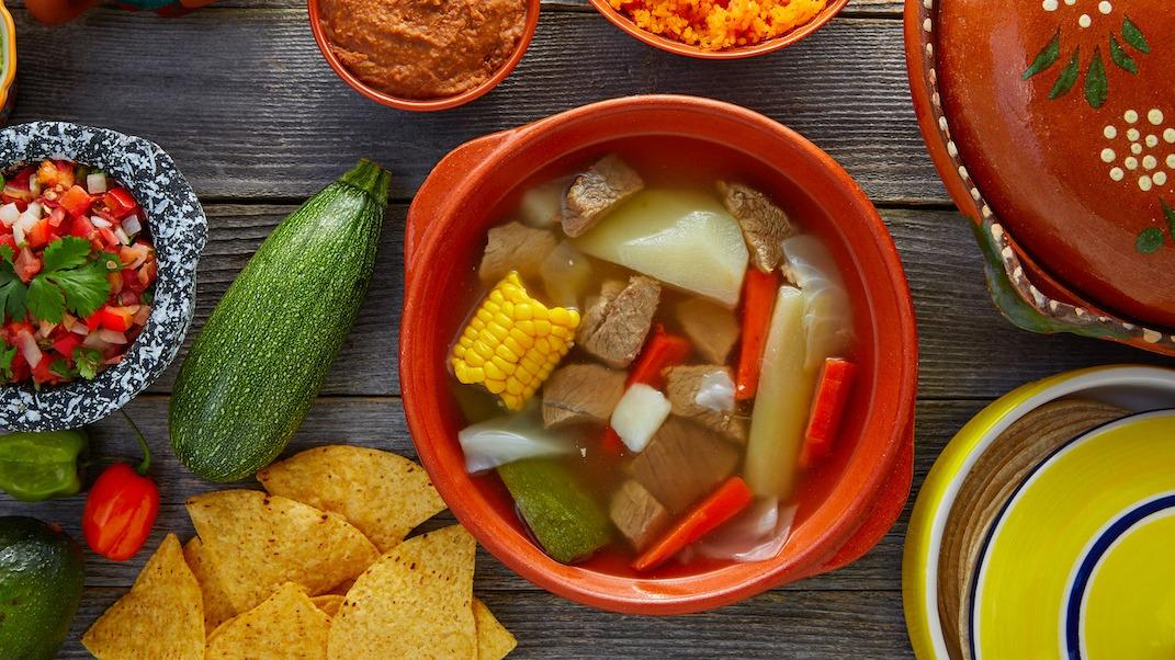 Comment faire du caldo de res : recette de soupe mexicaine au bœuf