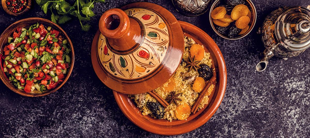 วิธีใช้ Tagine ของโมร็อกโก: ต้นกำเนิด การใช้ในการทำอาหาร และ 7 แนวคิดเกี่ยวกับสูตรอาหาร Tagine