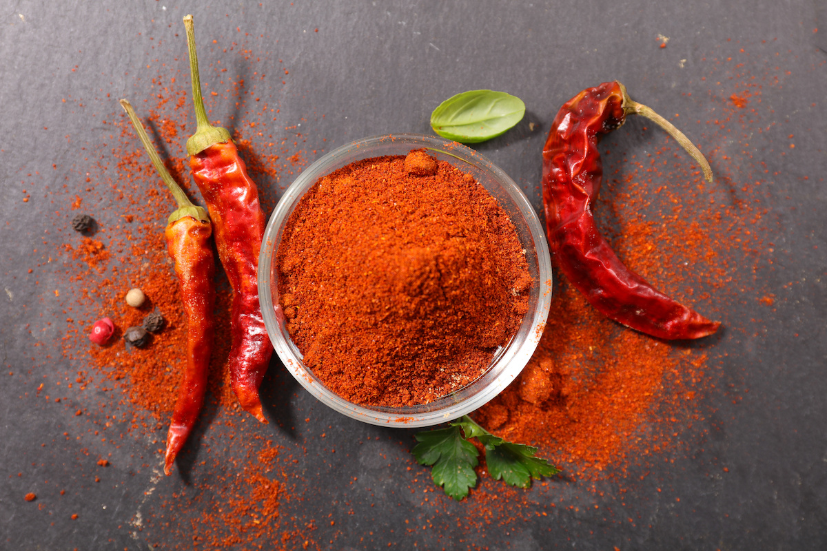 Hvordan lage mat med Cayenne Pepper: Fordeler og kulinarisk bruk av Cayenne Pepper