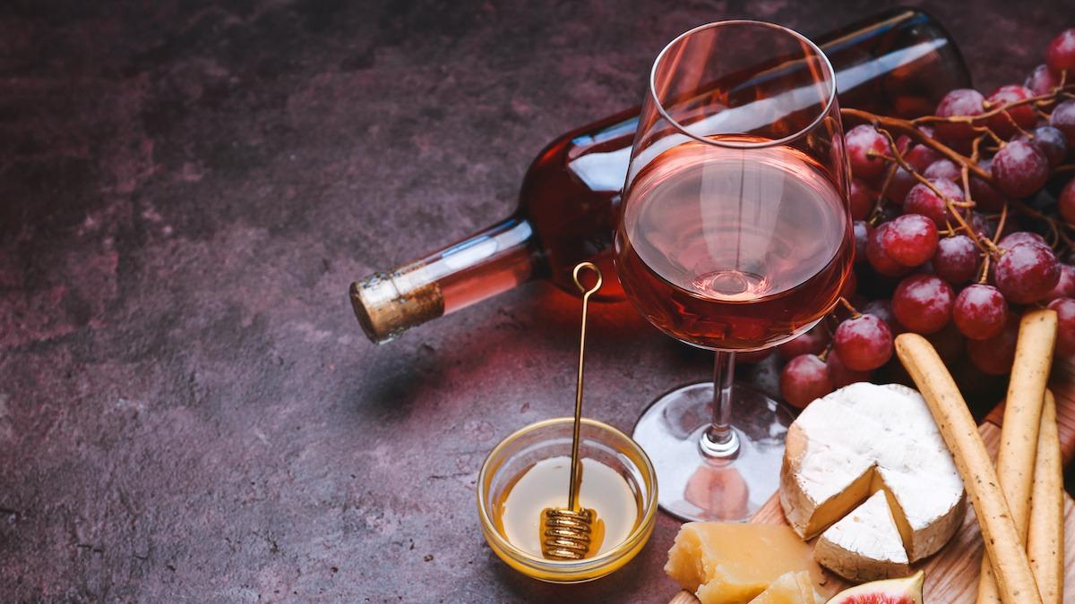 White Merlot Wine Guide: Hvordan vingårder lager White Merlot
