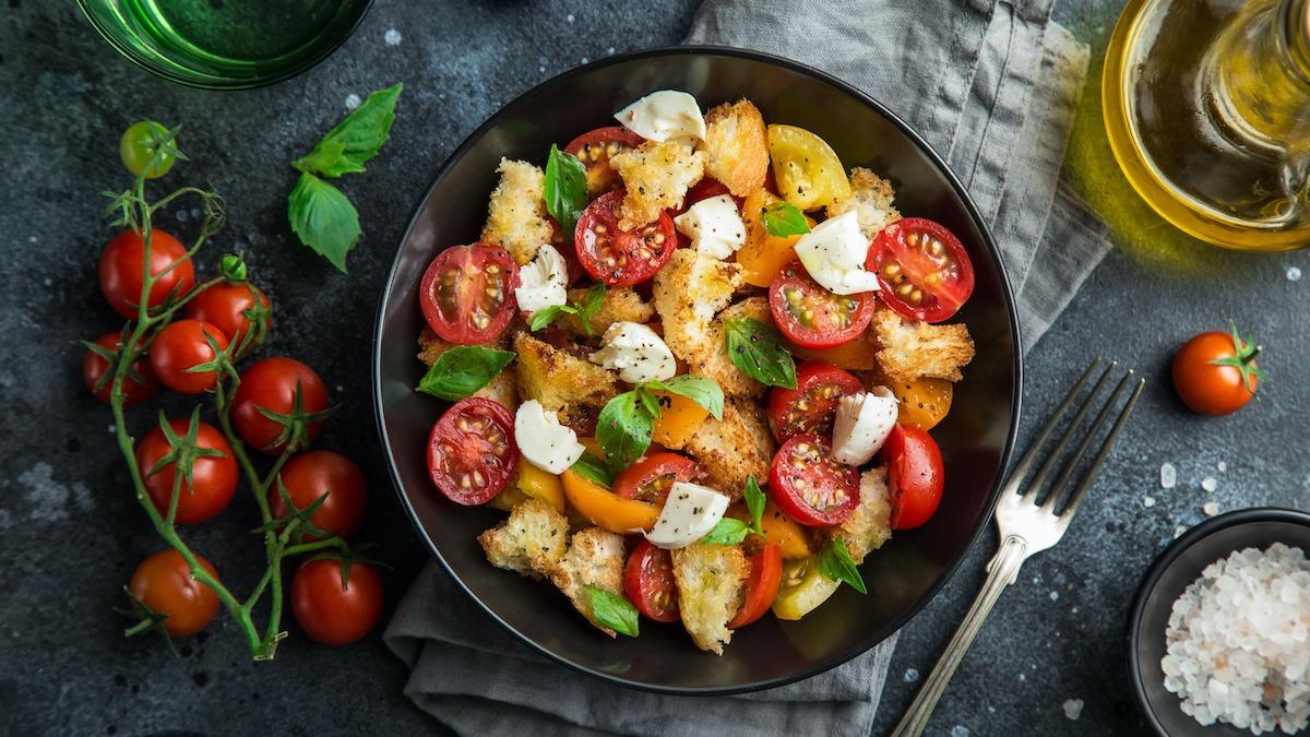 Panzanella를 만드는 방법 : 빠르고 맛있는 Panzanella 레시피