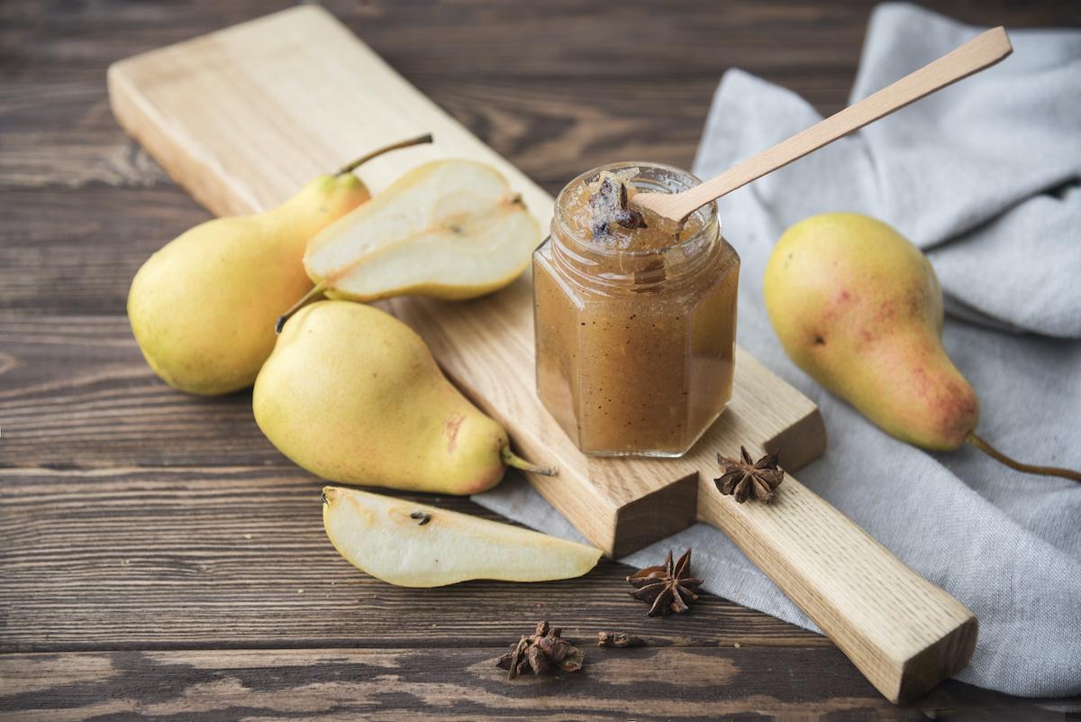 Come fare il burro di pere: ricetta del burro di pere speziato