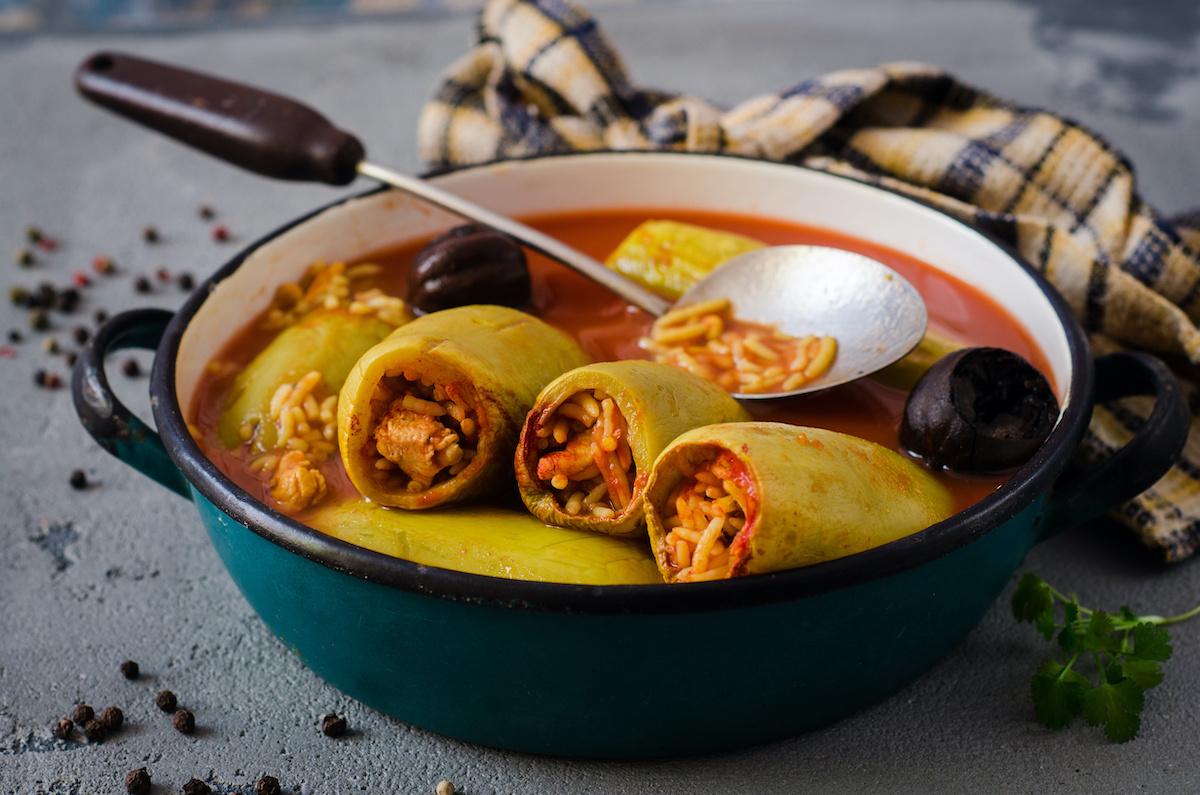 Kako napraviti Kousa Mahshi: Klasični recept za Kousa Mahshi