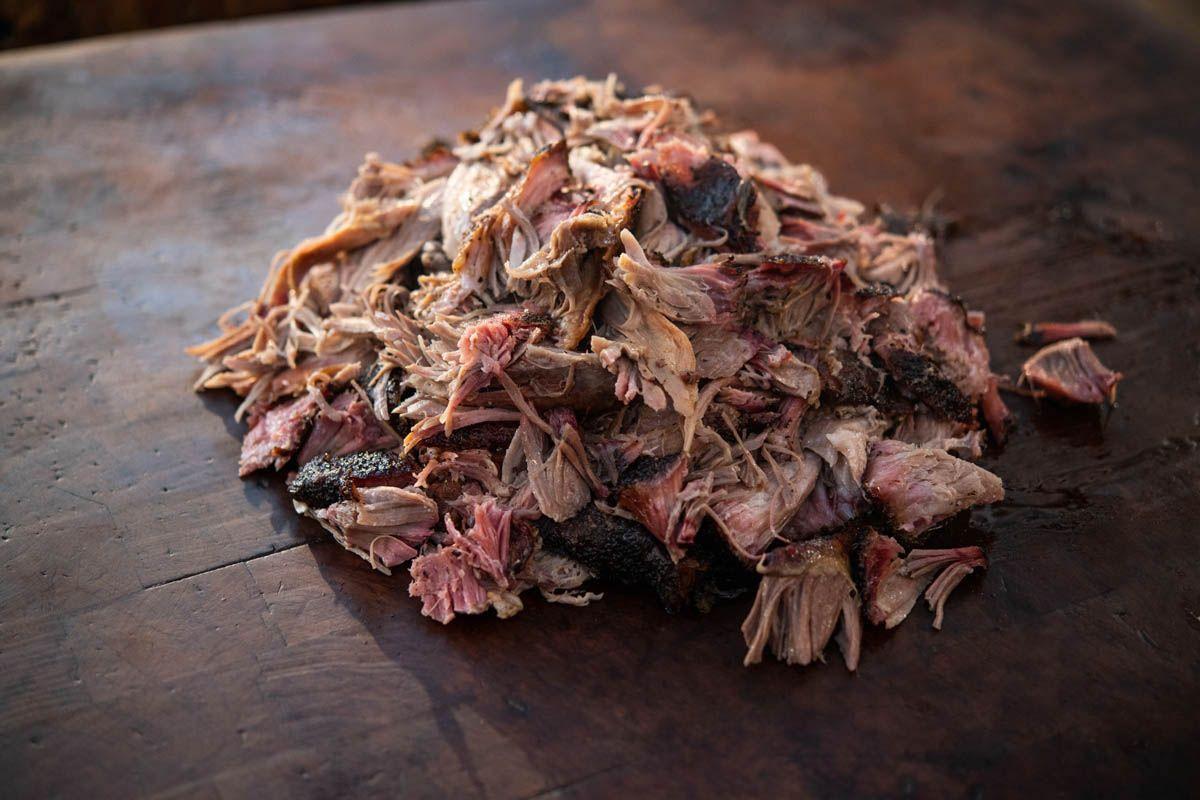 Comment fumer des mégots de porc (épaule de porc) avec un barbecue Pitmaster Aaron Franklin