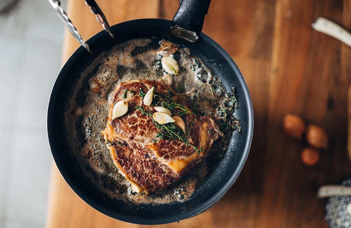 Kuhanje 101: Naučite se iskati zrezek, svinjino, piščanca, zelenjavo, jagnjetino in raco