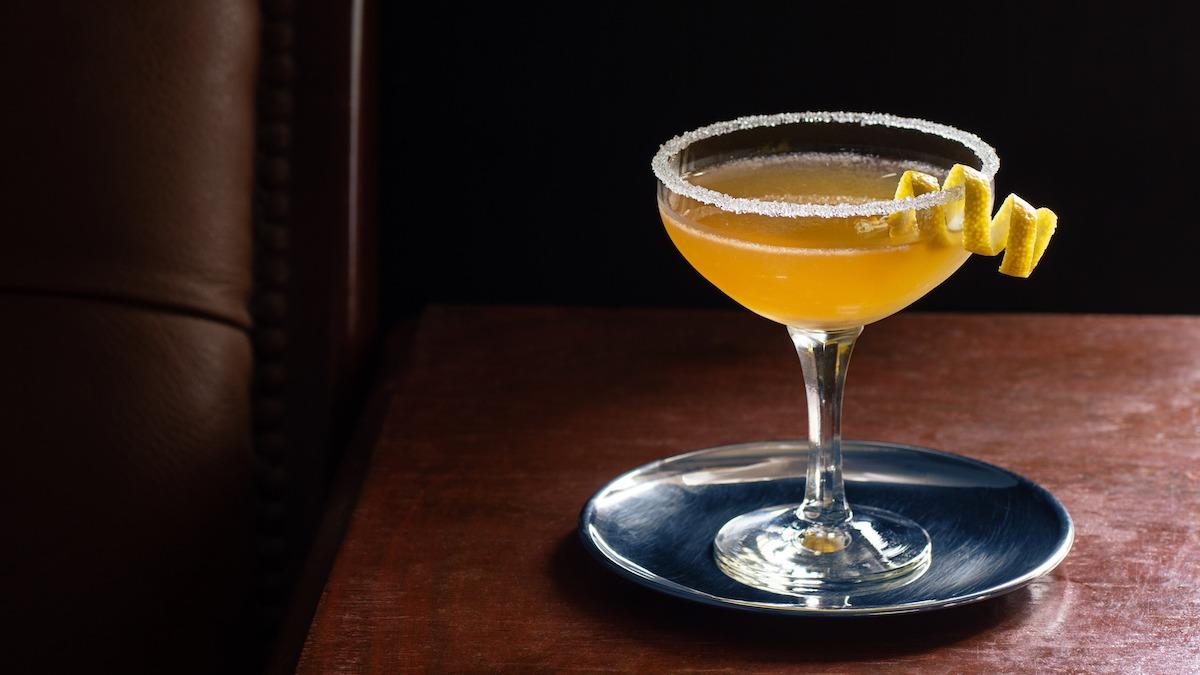 Slik suger du et cocktailglass