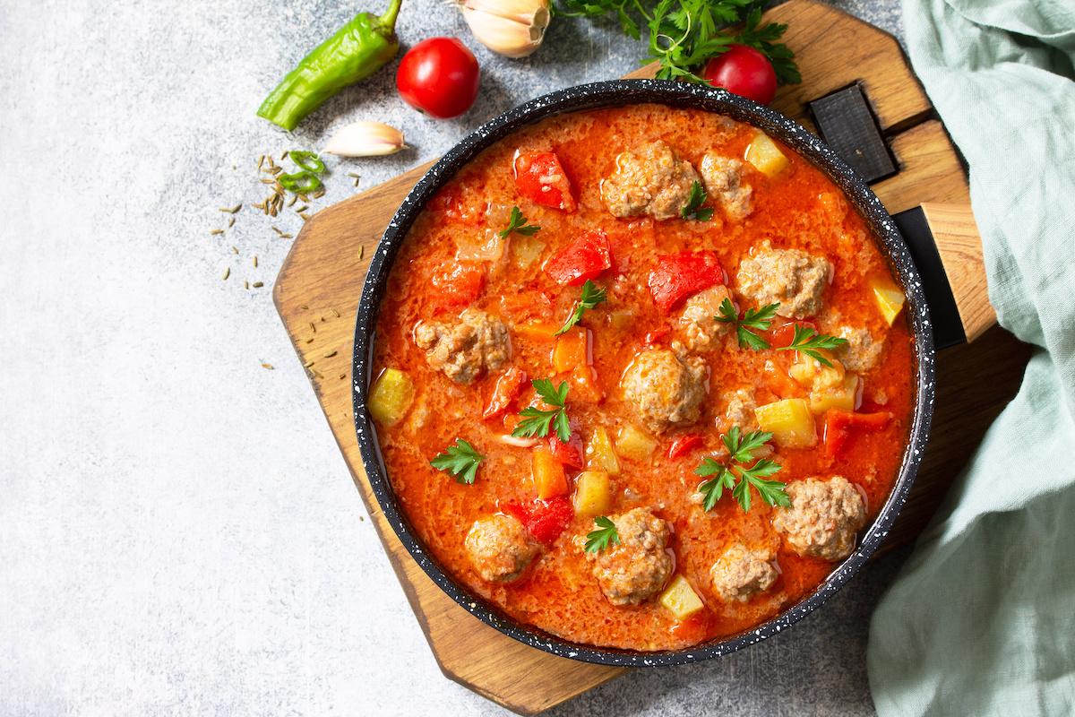 Ako si vyrobiť polievku Albondigas: mexický recept Sopa de Albóndigas