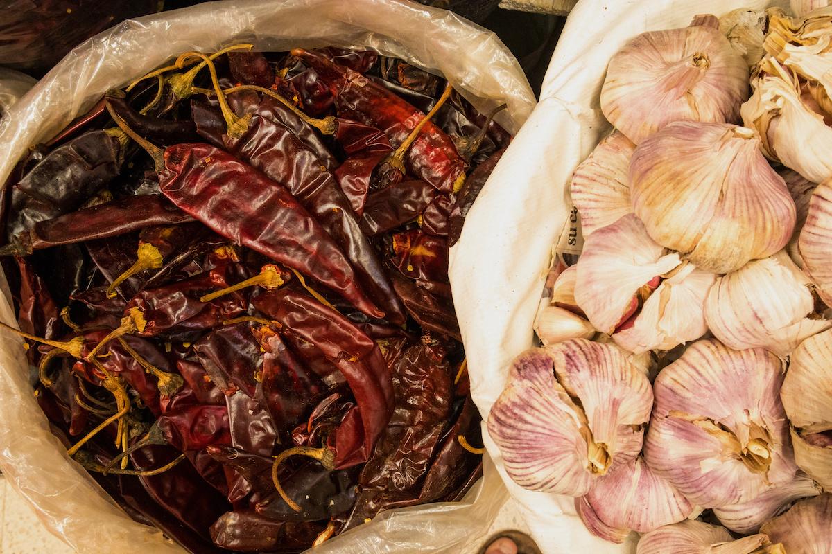 Ako si vyrobiť Guajillo Salsa v Čile: Ľahký recept na guajillo salsu