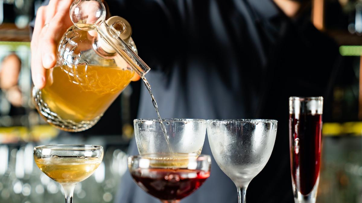 Comment faire un arbuste à cocktail: recette d'arbustes maison