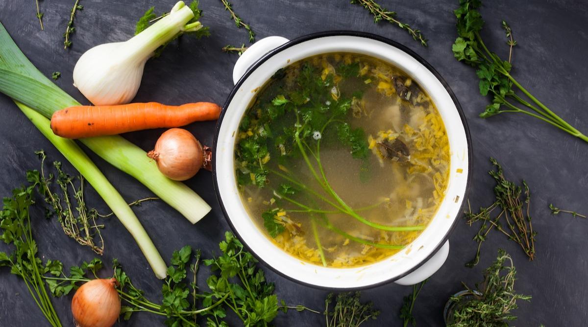Naučte sa, ako pripraviť domáci zeleninový vývar: Ľahký recept na zásoby