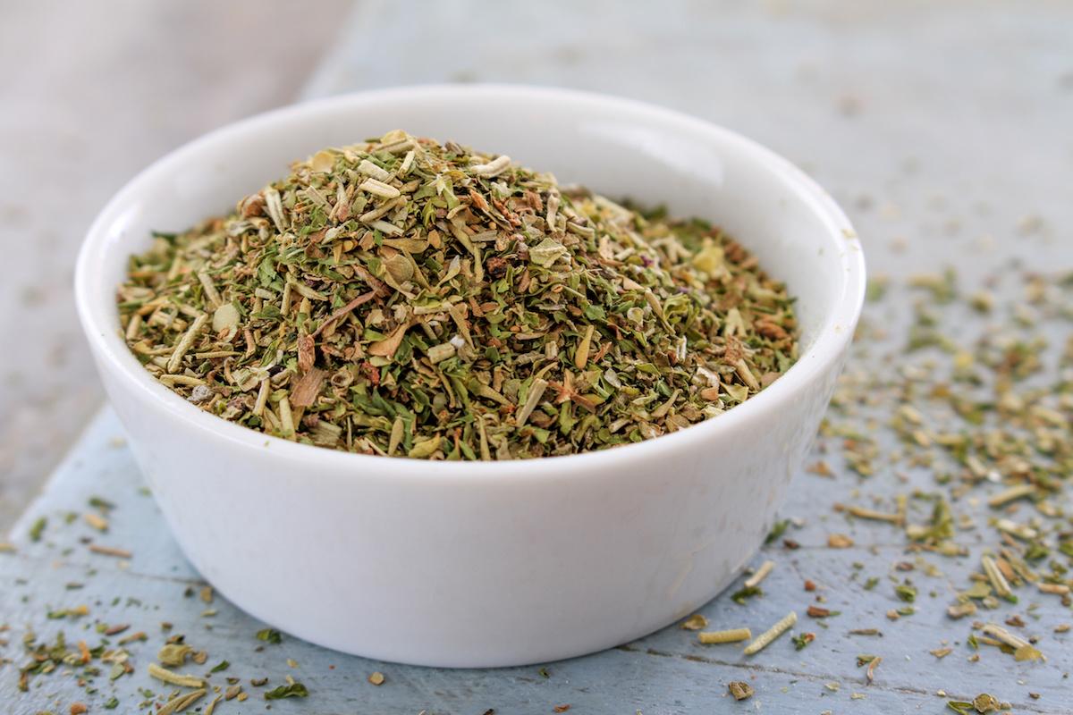 Что такое прованские травы? Как приготовить (и использовать) свою собственную смесь провансальских трав
