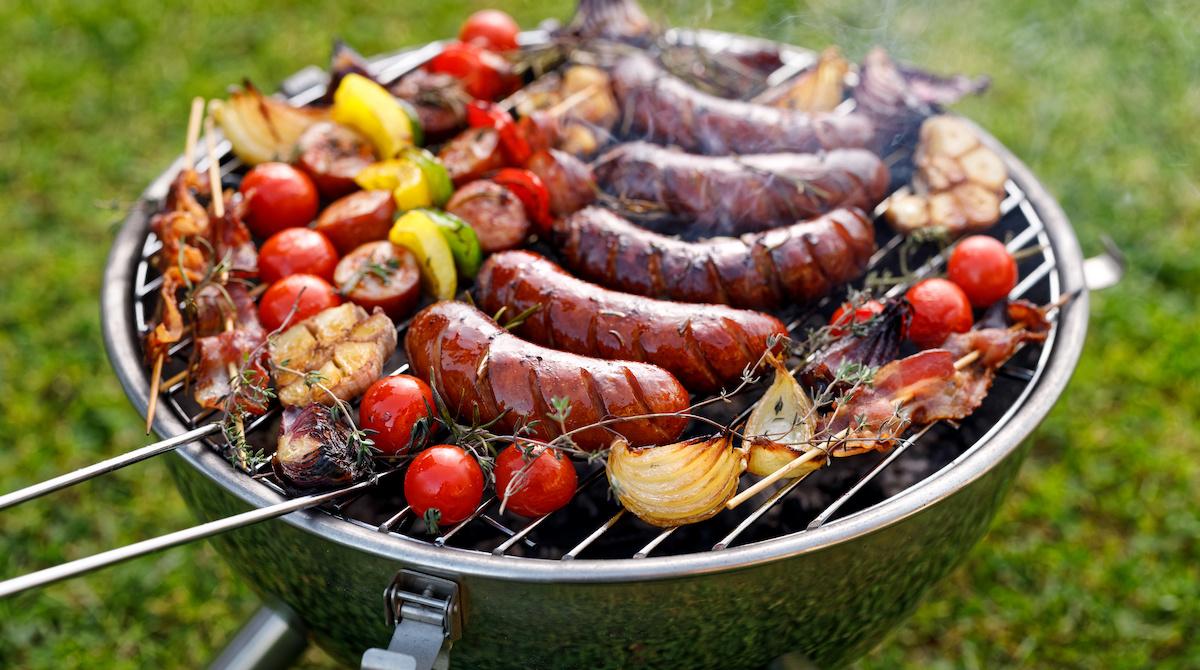 Kuidas kasutada veekeetjagrilli: 5 nõuannet söe peal grillimiseks