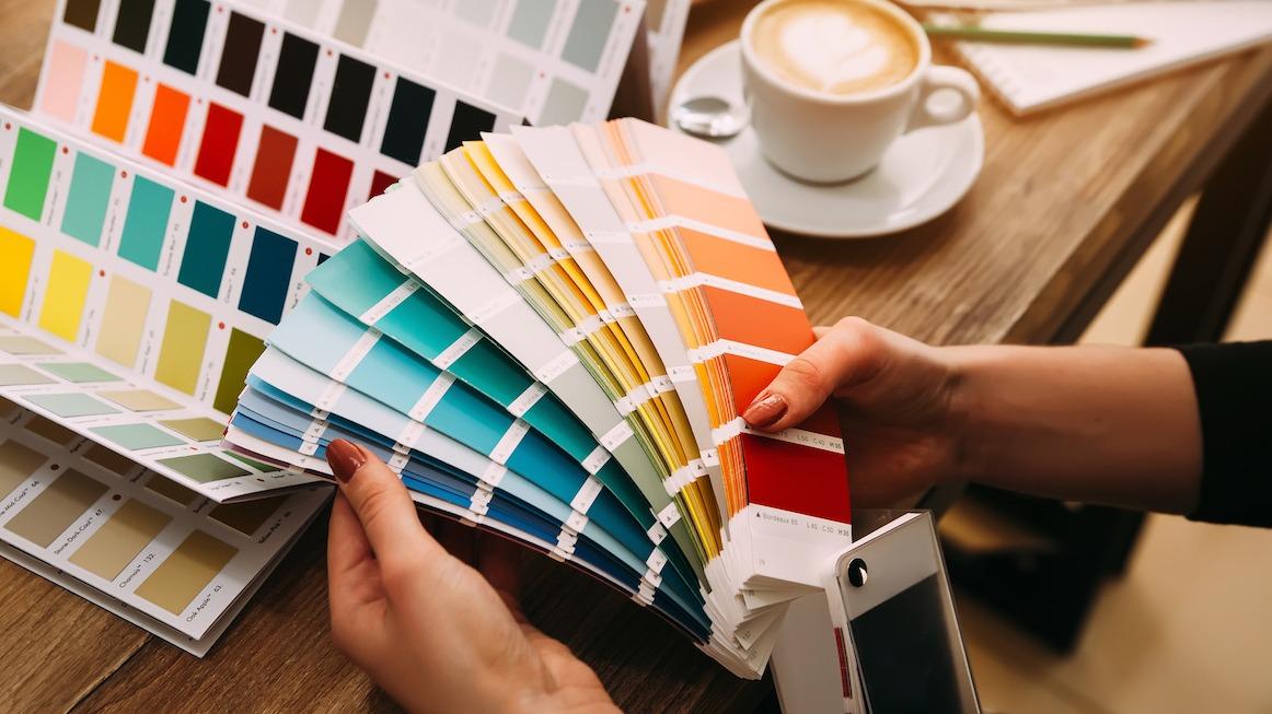 Kuidas värvi värvi valida: 5 näpunäidet sisevärvi valimiseks