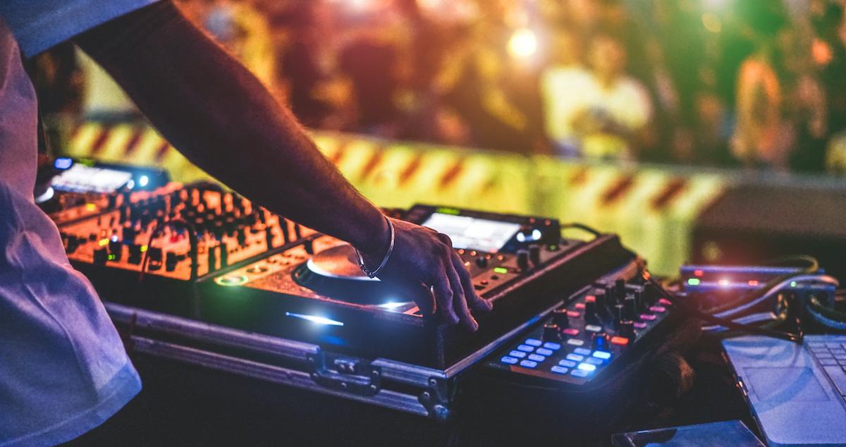 Guide de la musique house: une brève histoire de la musique house