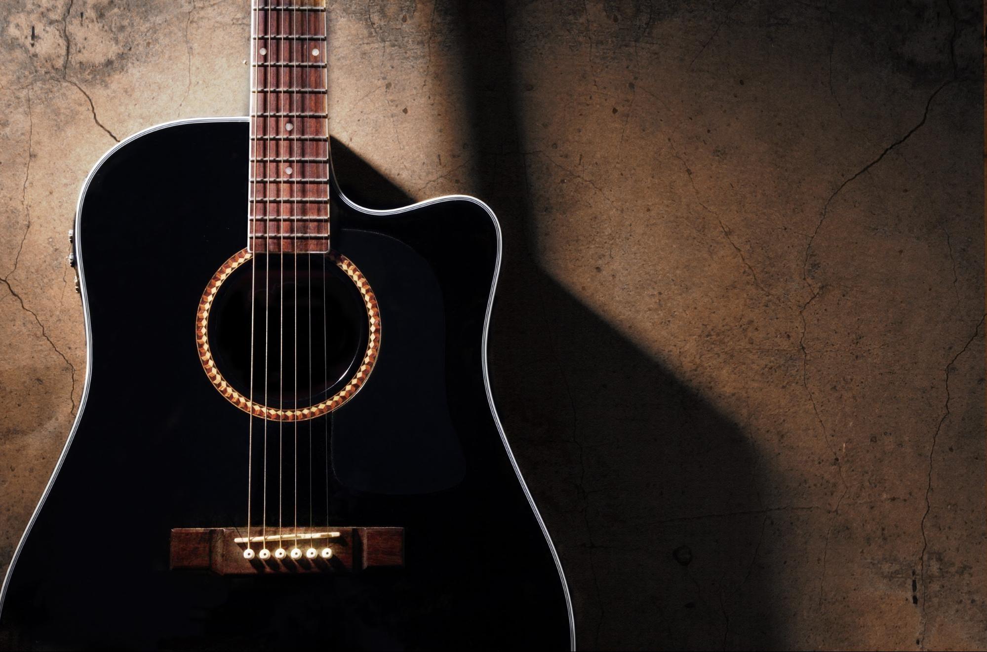 Pelajari Cara Bermain Gitar: Panduan Pemula untuk Kord dan Jenis Guitar