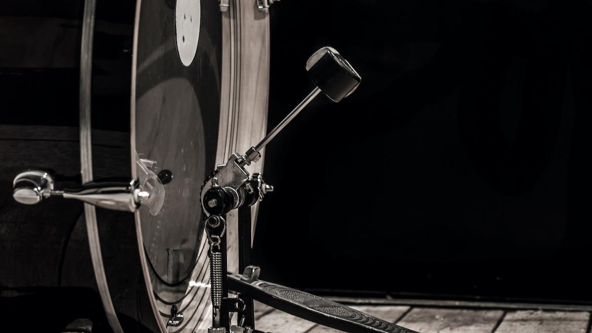 Osnove udarca o bubnju: 4 savjeta za sviranje bas bubnja