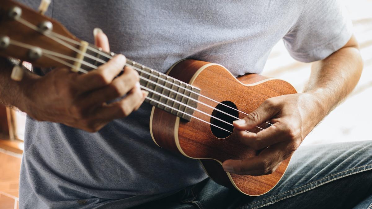 Comment pratiquer le ukulélé: routine de pratique du ukulélé en 7 étapes