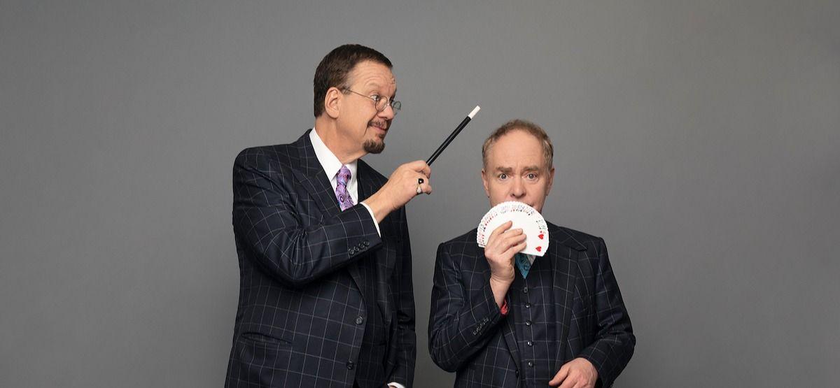 Trucuri Easy Card: Cum să faci trucul lui Penn & Teller's Whispering Queen Card în 8 pași