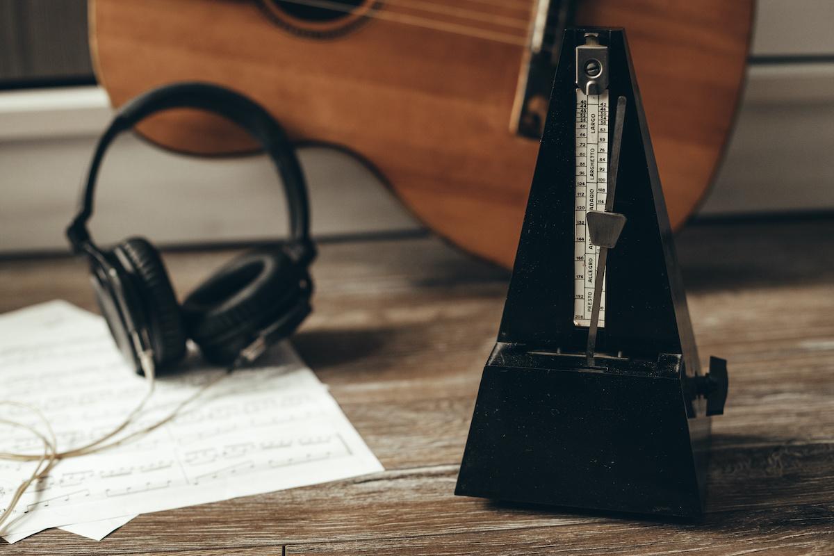 संगीत रिकॉर्ड करते समय क्लिक ट्रैक का उपयोग कैसे करें