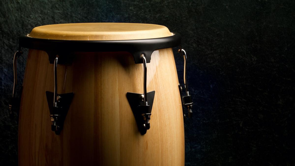 Vodič za latino bubnjanje: 5 bitnih ritmova latino bubnjeva