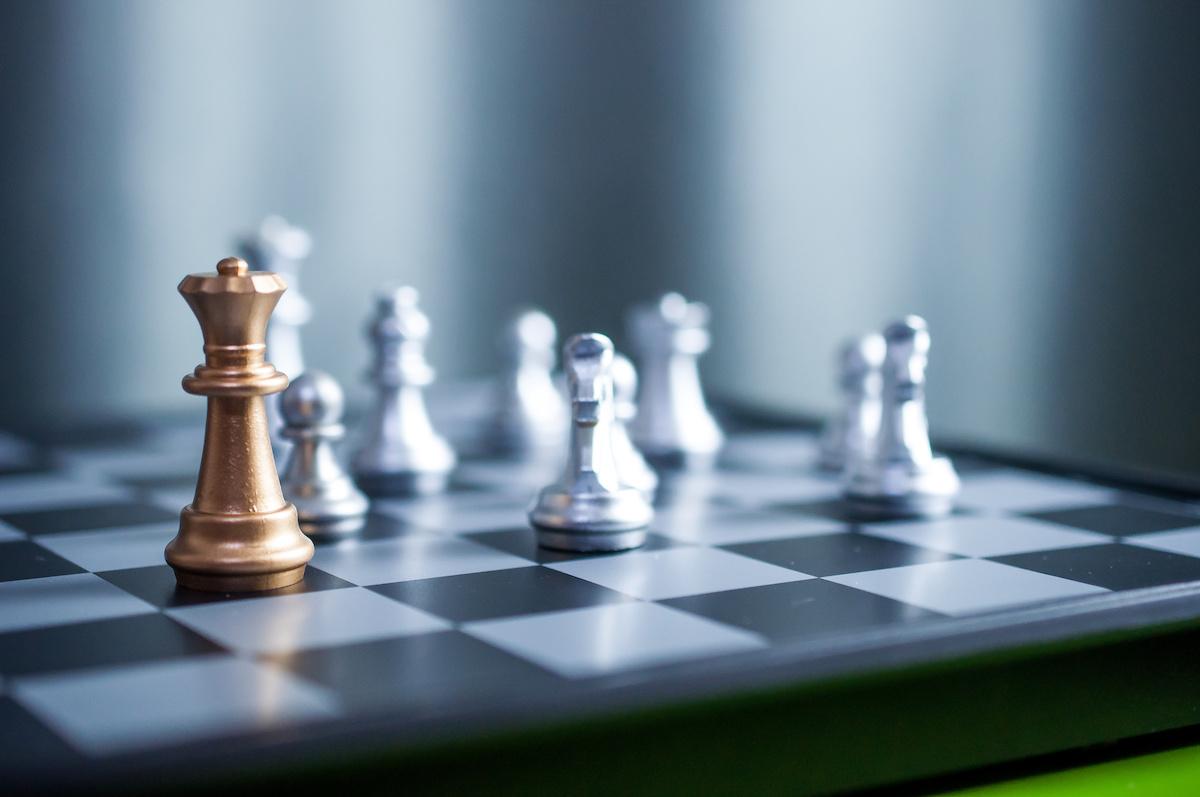 Šah 101: Što je kraljičin gambit? U koračnom vodiču saznajte više o otvaranju šaha i kako izvršiti Black-ove odgovore na Queen's Gambit